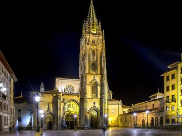 Tour notturno gratuito, misteriosa Oviedo