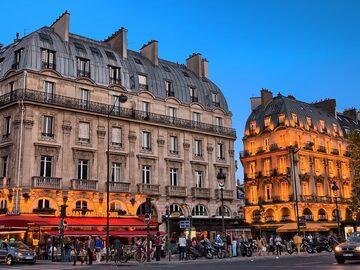 Free walking tour Friends in Paris, Life Is Beautiful