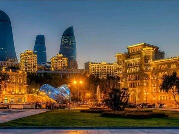 Tour nocturno por Bakú