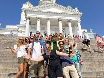 """Free tour por Helsinki: desde la plaza del Senado con los """"gorras verdes"""""""