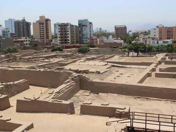 PIRÁMIDES DE LIMA + PARQUE DE LOS OLIVOS (servicio extra: Museo Larco)