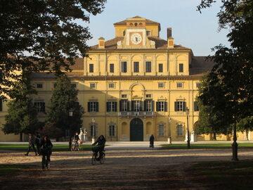 Spazieren Sie in Parma zwischen Parks, Gärten, Kunst und Gastr...