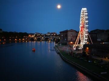 Tolosa di notte tra due acque: dal Canal du Midi al fiume Garonna