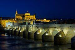 Free Tour Nocturno por la Historia de Córdoba