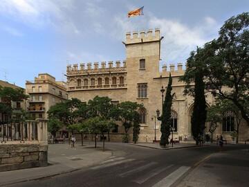 Two Treasures of Valencia: La Lonja and El Palacio del Marqués de dos aguas