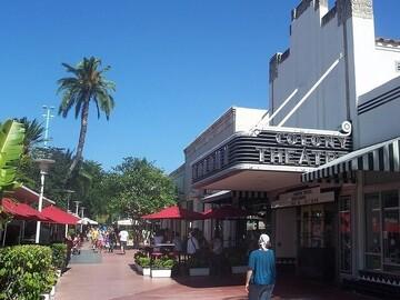 Tour gratis por Miami Beach, trascendiendo el centro comercial