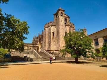 Besuchen Sie das Kloster Christi und die Templerburg Tomar
