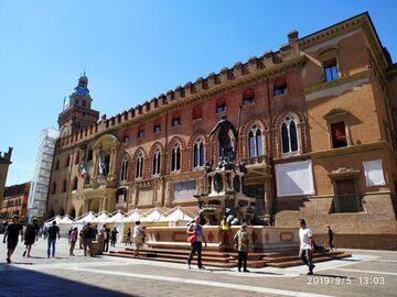 Explore Bolonia en un recorrido a pie