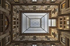 Architechtural free walking tour in Rome
