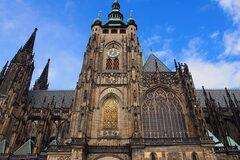el castillo de Praga a las 10am - tour gratis