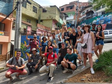 Medellin Graffiti Free walking tour della gente del posto a Comuna 13