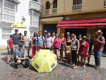 Tour a piedi gratuito della città vecchia!