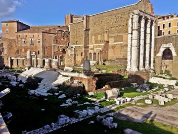 Free Tour: the City of the  Emperors, between history and legends