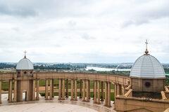 Visita a Yamoussoukro, y la Basílica más Grande del Mundo