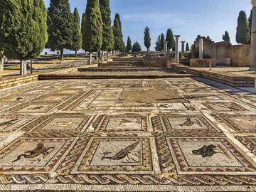 Free Tour by Italica