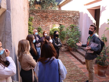 Essential Malaga Free Tour with professional guides