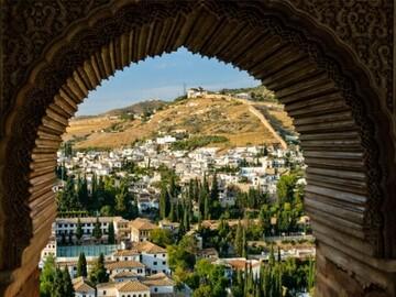 Explora los 2 barrios más emblematicos, Albaicín+Sacromonte