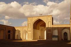 Un'avventura nel cuore del Qanat più profondo del mondo!