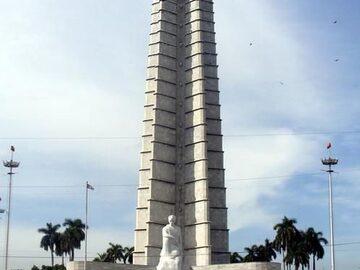 Lernen wir die Plaza de la Revolucion kennen