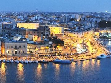 Free Tour of the historic city center of Brindisi