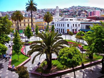 Free tour en Barrio Puerto, donde nace Valparaíso.