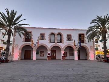 Discover the magic and beauty of the beautiful Santa Eulalia.