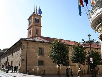 From Oviedo, get to know Asturias from A to Z