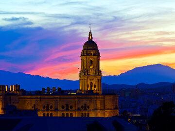 Free Tour Misterios y Leyendas 2.0 ⭐ Málaga Mística y Oculta