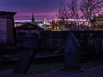 Free walking tour dei misteri, dei fantasmi e del rogo delle streghe di Edimburgo (in spagnolo)