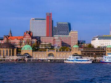 Free Tour around the port of Hamburg and Reeperbahn