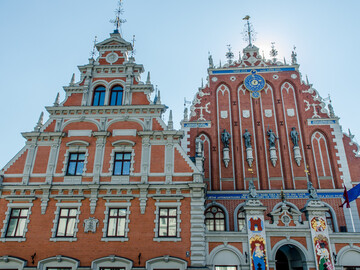 Riga Old town free walking tour with local