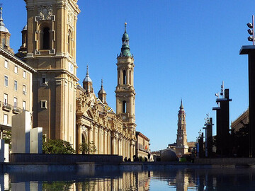 Zaragoza and the square of the two cathedrals