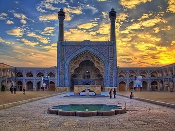 Sightseeing in the former capital of Persia: Religious Sites