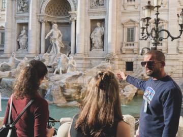 Free walking tour delle meraviglie di Roma con caffè