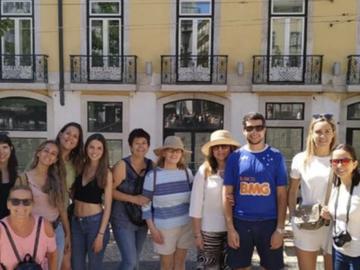 Kostenlose Tour Lissabon zu Ihren Füßen (mit spanischem Mutter...