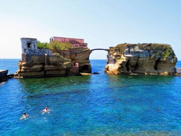 Free walking tour The jewel of the Gulf of Naples: Posillipo by sea