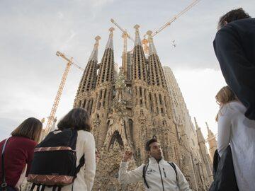 Art Play + Sagrada Familia (Gaudí e altro) Tour gratuito