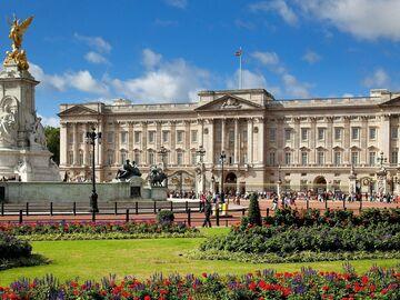 Free Royal Family & Royal Palaces Tour
