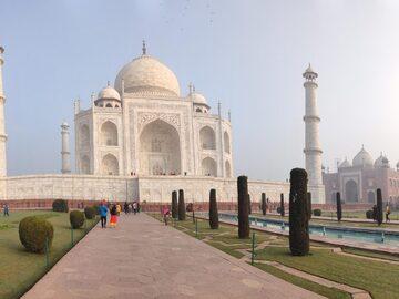 Explora las gemas ocultas de Agra