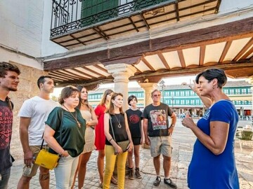 Free tour the best of Almagro at dusk