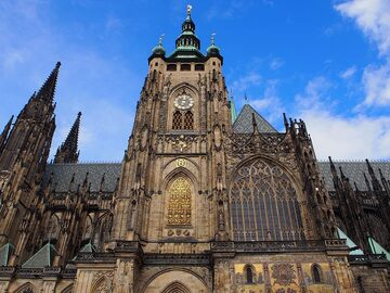 Free Walking Tour Prague Castle at 10am (without the crowds)