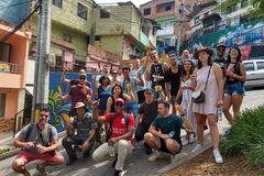 Experiencia en la Comuna 13 (Free Tour hecho por locales)