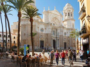 Free Monumental Tour of Cádiz