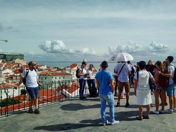 Alfama and Mouraria Free Tour: History vs Modern Facts (Lisbon)