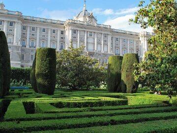 Walking in Old Town Madrid!