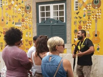 Free Tour Lisbon: Essential History, Fun Facts and Free Tastings