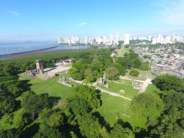 Free tour in the ruins of old Panama, discover its secrets
