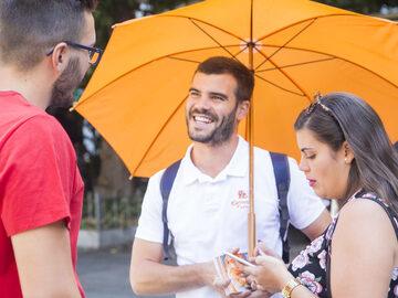 Monumental free walking tour in Granada