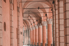 Discovering color, taste and beauty of Bologna!