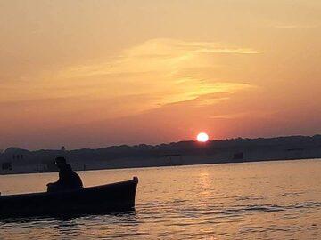 Amanecer de la mañana en Varanasi